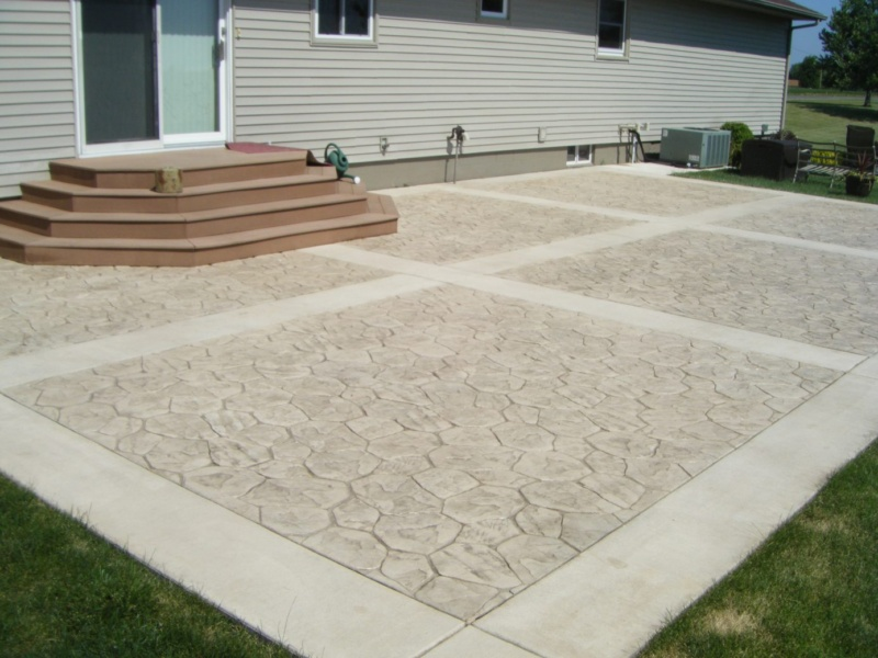 stone stamped concrete borders & steps