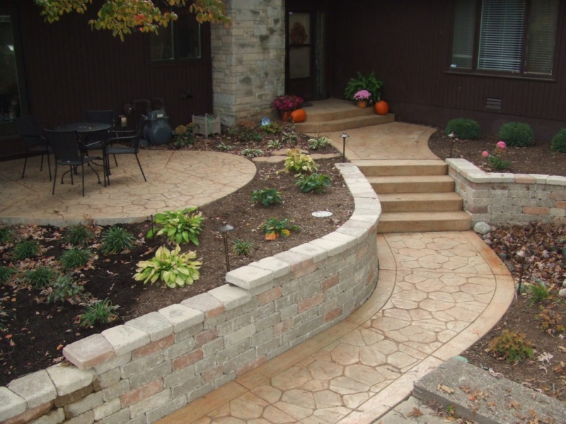 stone stamped concrete entryway